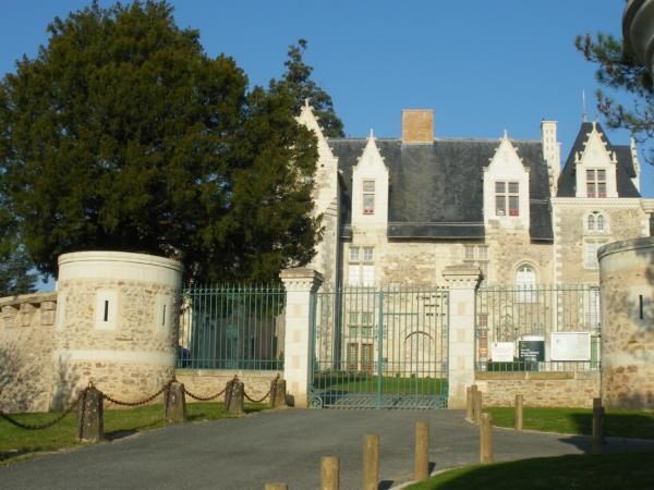 Chateau de Villevêque